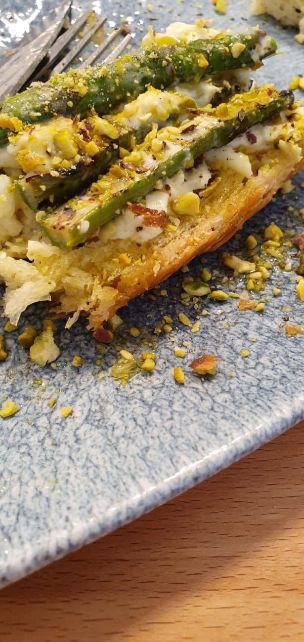 Bruschetta stracciatella, asparagus and pistachio